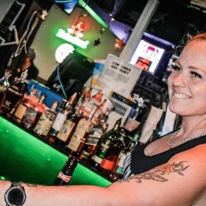 Connollys sports bar & grill 3